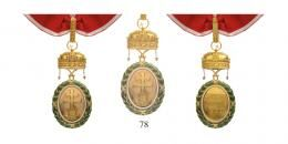 Magyar Koronás Érmek - Signum Laudis 1922-45Magyar Koronás Nagy Aranyérem, vörös-fehér szegélyezésű, vörös szalagon
